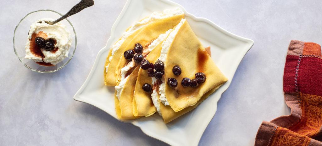 συνταγή: Κρέπες με Κρέμα Ανθότυρου και Γλυκό του Κουταλιού
