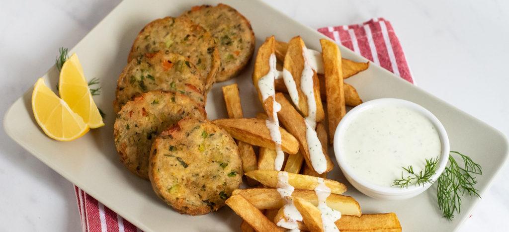 Κολοκυθοκεφτέδες με Εύκολη Σάλτσα Φέτας και Πατάτες Τηγανιτές