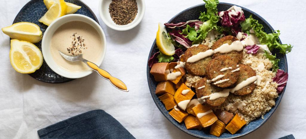 συνταγή: Μπολ Θρέψης (Nourish Bowl) με Μίνι Φαλάφελ και Σος Ταχίνι