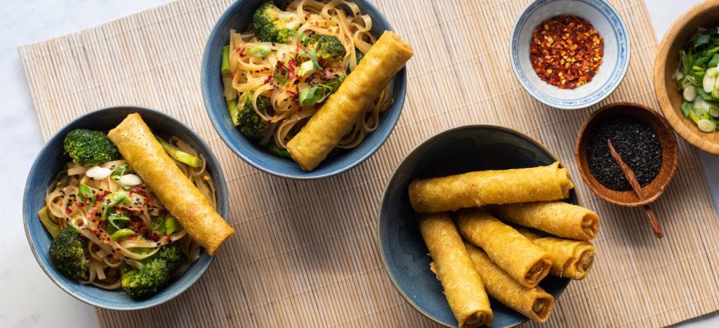 Spring Rolls με Noodles, Μπρόκολο και Σάλτσα Σόγιας-Τζίντζερ